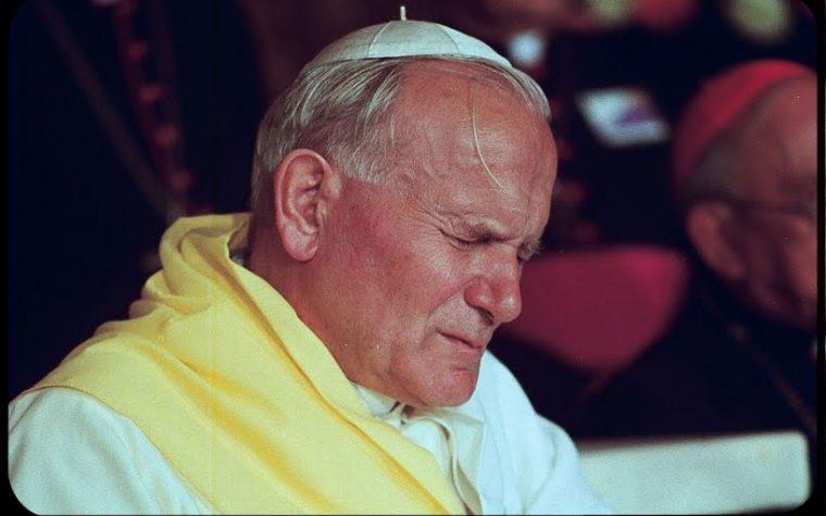 Giovanni Paolo II° e quel sorriso amaro.