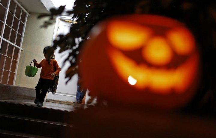 Cari cattolici, Halloween l'abbiamo inventata noi. Non lasciamocela scippare da streghette e satanisti.
