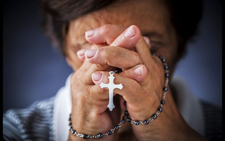 Come sono nati l'Ave Maria e il Rosario?