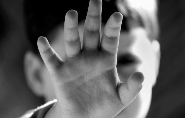 Il 3 maggio la giornata contro la violenza sui bambini.
