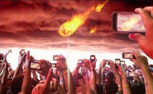 Verrà l'Apocalisse e tutti applaudiremo facendoci un selfie con il diavolo.